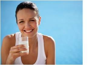 žena, mlieko, bielkoviny