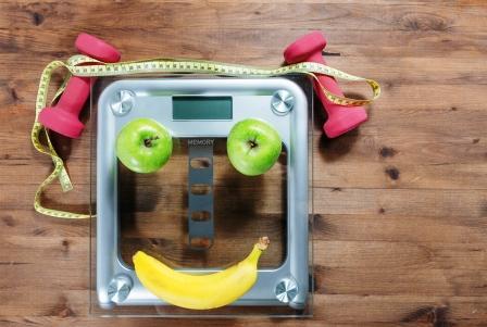 Vaha s ovocim v tvare usmevu