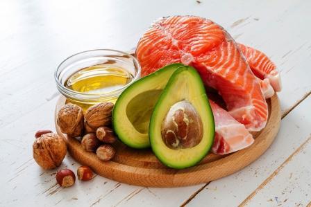 zdrave tuky (avokado, losos..)